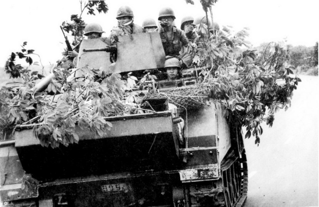 Thiet van xa M113 tai mat tran Xuan Loc thang 4 nam 1975