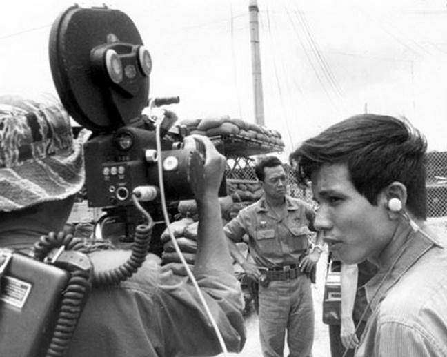 Phong vien phong van DT Ly Tong Ba sau chien thang Kon Tum 1972
