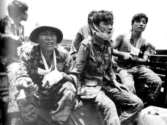Cac chien si nhay du bi thuong tai mat tran Long Khanh thang 4 nam 1975 .jpg