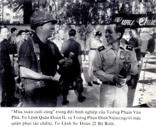 Tuong Pham Van Phu va Tuong Phn Dinh Niem .jpg