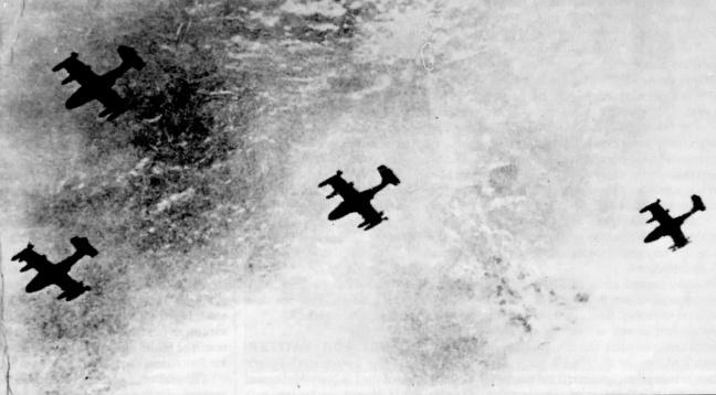 4 chiec A-37B tan cong Tan Son Nhat ngay 19 thang nam 1975, anh cua AIR COMBAT Magazine, Sept 1991 .jpg