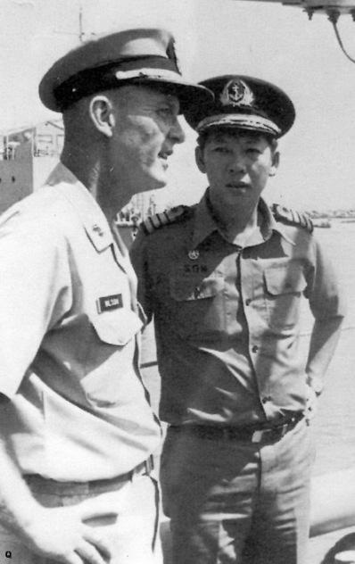 HQ Dai ta Nguyen Xuan Son va De doc James B Wilson ..jpg